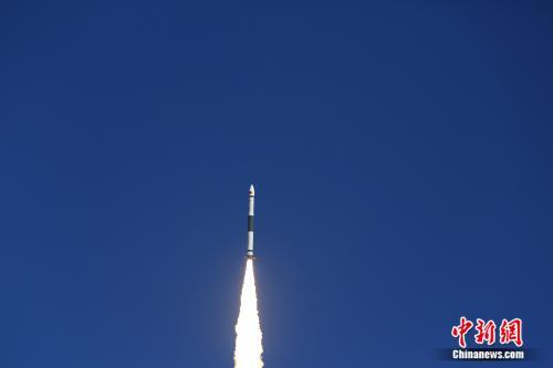 中国快舟火箭成功发射微厘空间一号试验卫星
