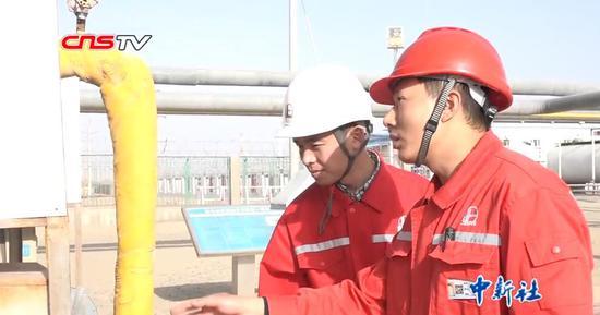 石油工的边疆十三年:与风沙相伴 和家人远隔