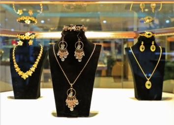 见闻乌鲁木齐中亚黄金宝玉石产业园 能生产可交易