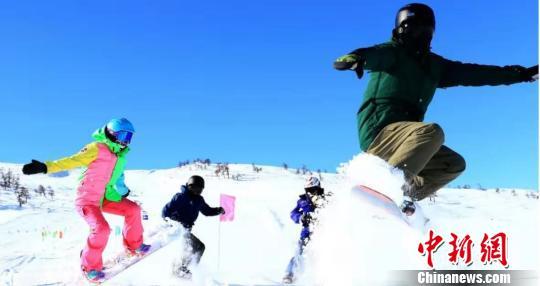 新疆阿勒泰出台冬季旅游优惠奖励 吸引海内外游客