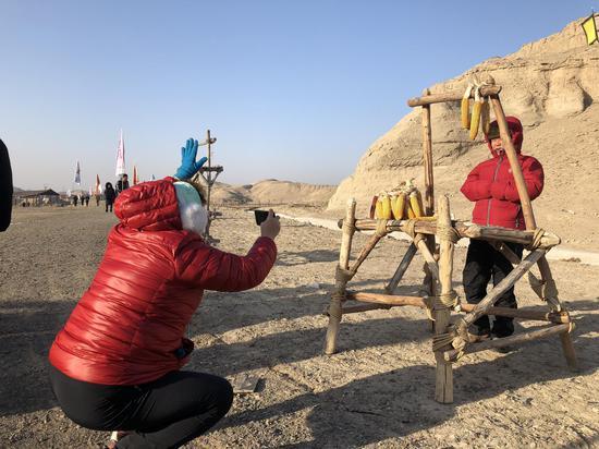 百家旅行社走进新疆乌尔禾 魔鬼城明年将开放夜游项目