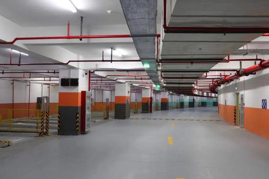 望江公园北地下公共停车库。  杭建宣 摄