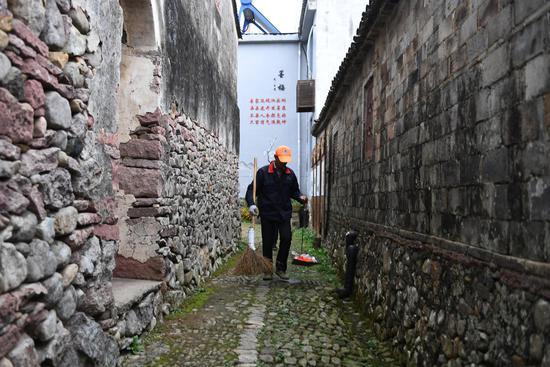 图为:海头村完好地保留了古建筑。  王刚 摄