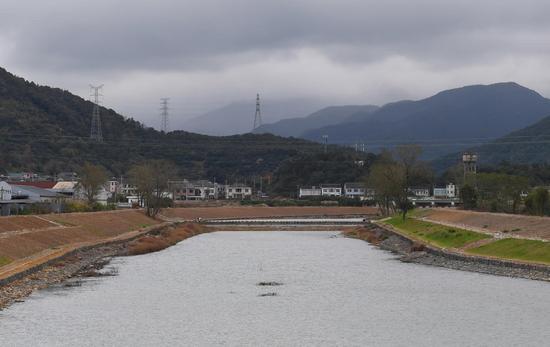 图为:海头村的河道。  王刚 摄