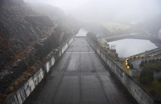图为:白溪水库的泄洪通道。 王刚 摄