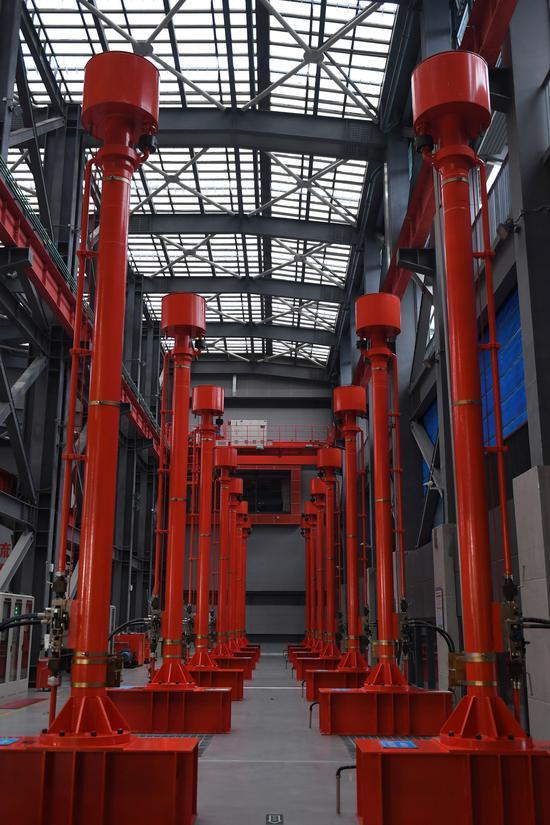 图为:杭州三堡排涝工程内景。  王刚 摄