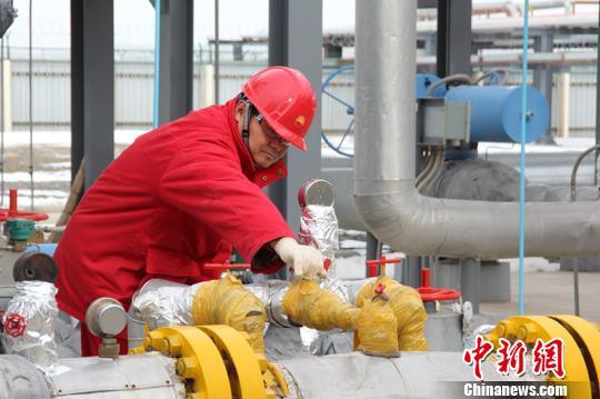 应对低温天气 新疆油田采气厂上调日产量25万立方米