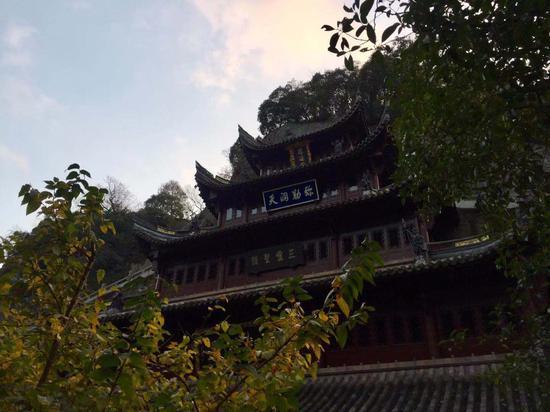 新昌大佛寺一角。  项菁 摄