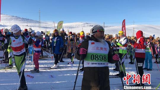 """三北奥雪新疆阿勒泰越野滑雪赛开赛 古老与现代""""激情碰撞"""""""