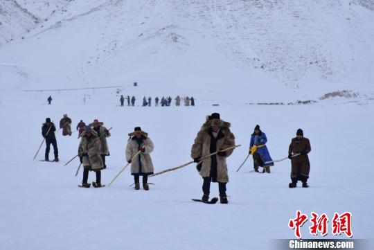 新疆富蕴县第八届冰雪风情节开幕