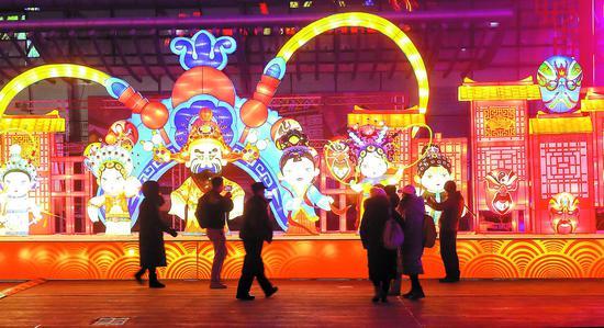 新春民俗庙会灯光秀在乌鲁木齐试运行