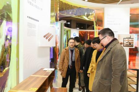 """图为""""设计运河""""十佳文创产品发布暨中国设计智造大奖佳作展现场。  主办方供图"""