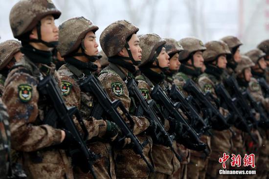 新疆军区某红军师组织开训动员