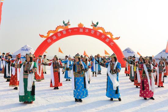 新疆博湖第十一届冰雪节开幕:八方来客共赴冰雪之约