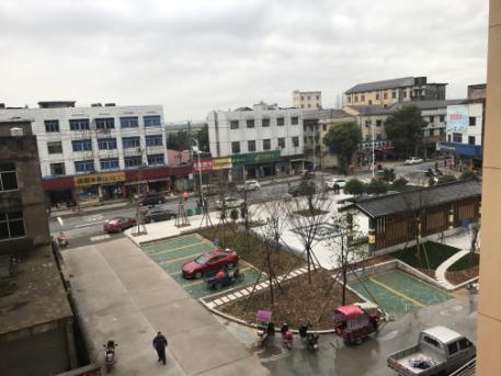 改造后的高家镇 。 吴鹏 摄