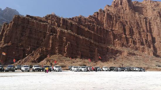 新疆温宿托木尔大峡谷第二届越野达人秀开幕