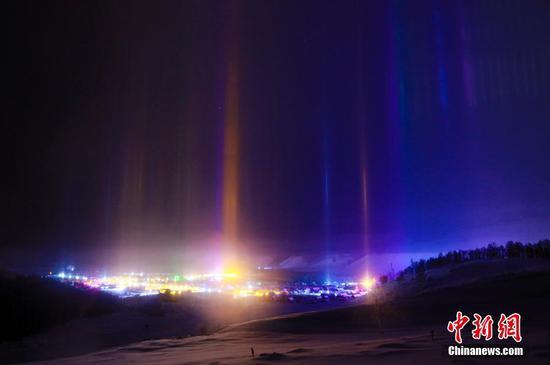 """新疆阿勒泰极寒山区多次出现""""寒夜光柱"""""""