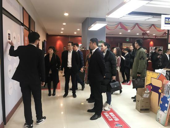 """童装企业远赴江苏""""求学""""。织里宣传中心供图"""