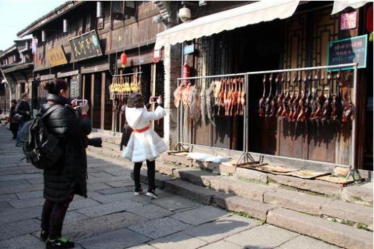 杭州古镇酱香四溢 年味渐浓