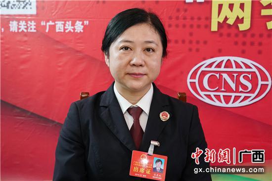 广西人大代表、柳州市人民检察院副检察长韦震玲