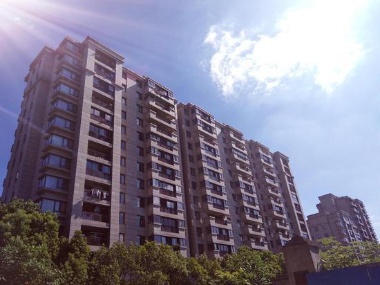 杭州某住宅楼。  郭其钰 摄