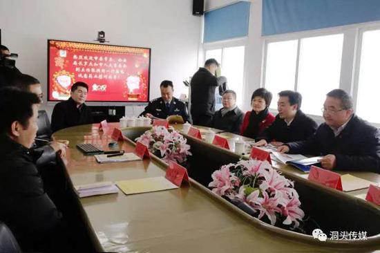 2月11日,温州市委常委、市公安局局长罗杰一行到诚意药业开展新春慰问 诚意药业供图