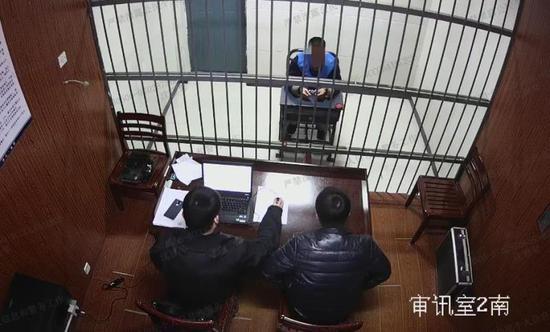 薛某被捕接受調查  德清公安提供