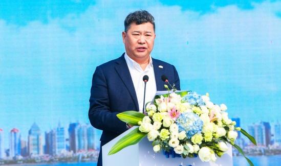 """""""中國青島·綠地國科健康科技小鎮""""項目開工儀式上,嘉賓致辭。  由綠地供圖"""