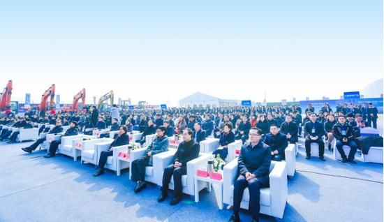 """""""中國青島·綠地國科健康科技小鎮""""項目開工儀式現場。  由綠地供圖"""