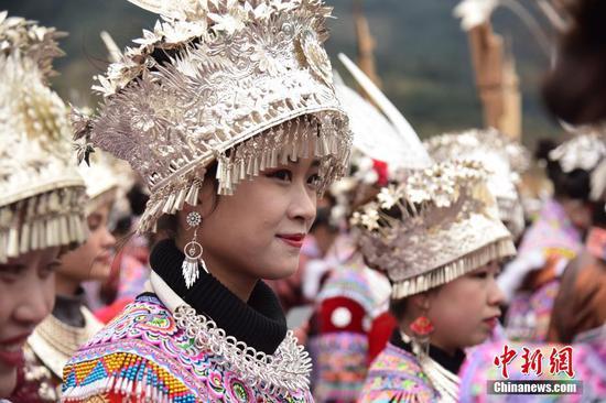 广西深山苗族举行新坡会 庆祝民众生活提高