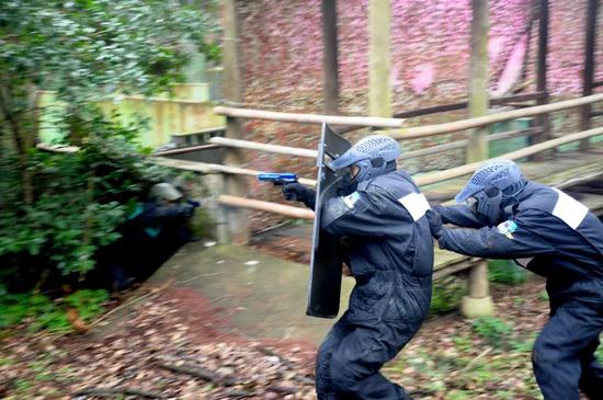 特殊场景攻防对抗。  警方 供图