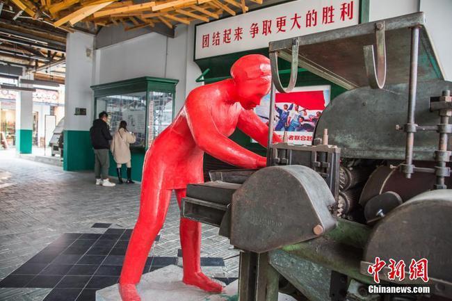 """探访广西南宁绢纺厂旧址 昔日老厂房今日""""网红街"""""""