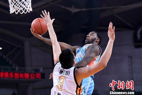 CBA联赛43轮 山西男篮125:134负于新疆男篮