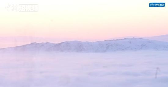 新疆阿勒泰出现云海奇观 仿若仙境