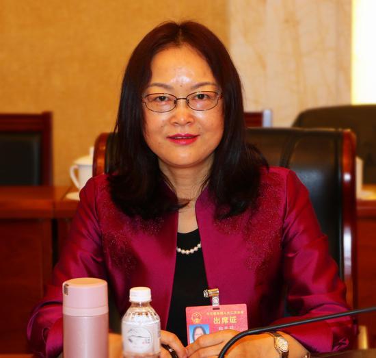 全国人大代表、浙江金融职业学院院长郑亚莉  汪恩民 摄