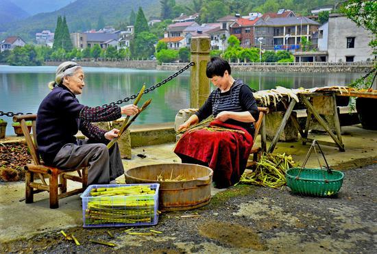 """近观浙江安吉""""乡村三变"""":村美、民富、人"""