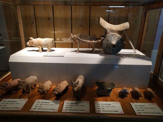千年前生肖陶俑在新疆轮台展出