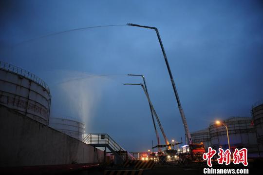 廣西舉行石油化工火災跨區域滅火救援演練