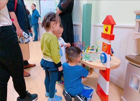 杭州英伦幼儿园趣味体验活动。英伦幼儿园摄
