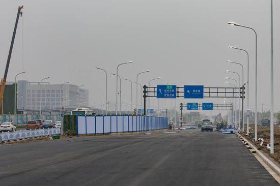 """杭州机场高架桥全线通车 助力""""五一""""客流"""