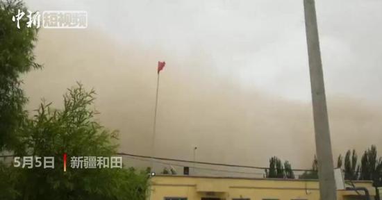 新疆和田遇沙尘暴天气 沙尘暴来袭瞬间画面