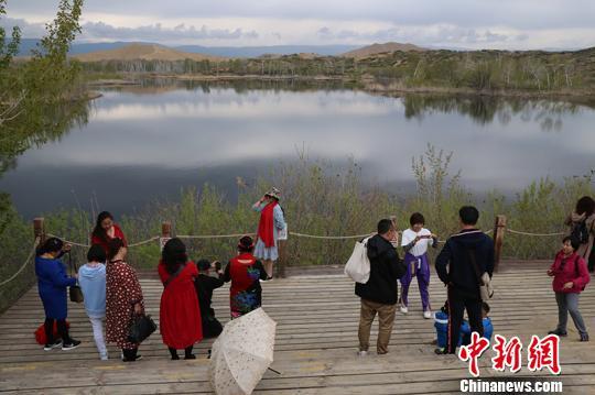 新疆兵团首个国家5A级景区迎今年首轮旅游高峰