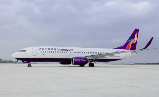 成立近5年来,乌鲁木齐航空不断织密航线及班次,飞机架次已从1架增长到15架,通航30个城市,运输旅客逾700万人次。(资料图)