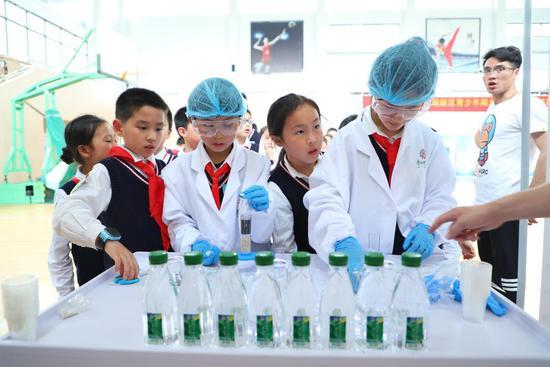 康師傅水教育活動杭州首秀 與錢塘少年探索