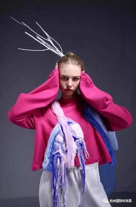 图为:毕业设计服装秀现场。 主办方供图