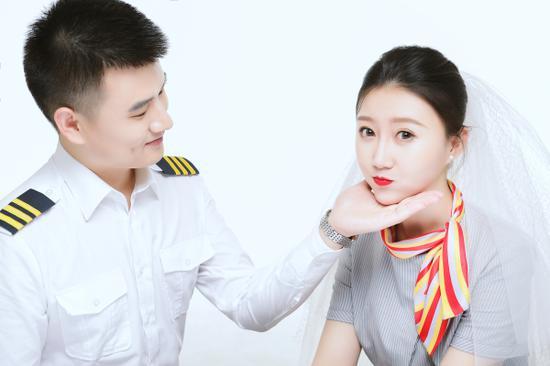 """陪伴是最长情的告白—乌鲁木齐航空""""双飞家庭"""""""