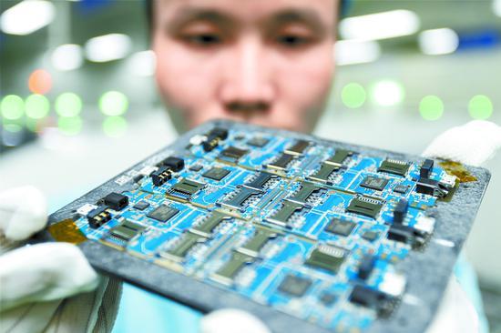 新疆有了高速貼片機 填補新疆高端智能裝備空白
