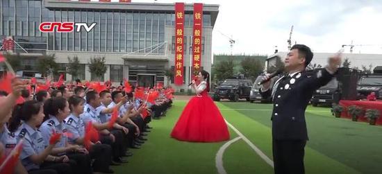 公安部文艺小分队新疆慰问演出