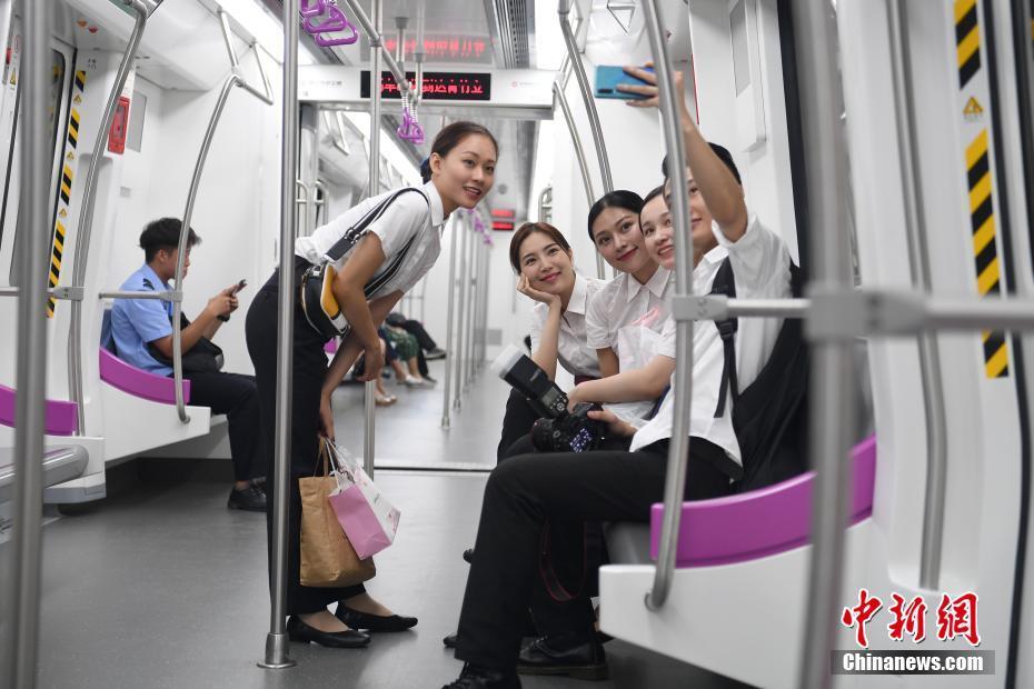 """中国地铁首个""""海绵车辆段""""线路投入运营"""