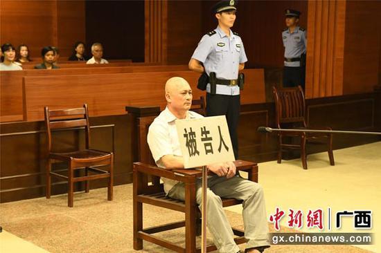 图为被告人吴惠忠。梁毅 摄